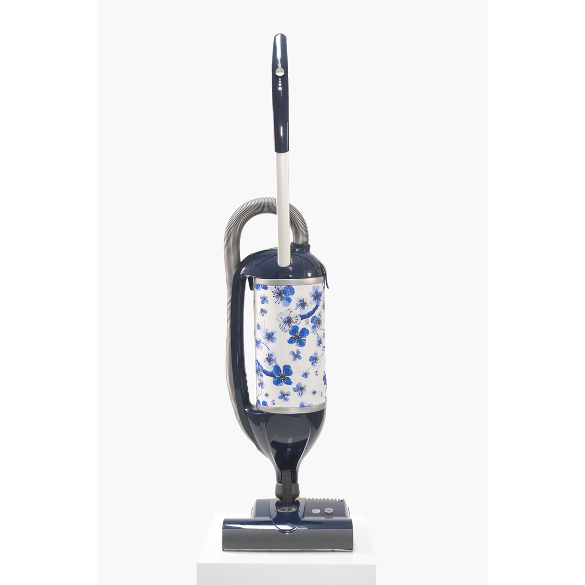 Image of 700Watts Upright Vacuum Cleaner Bagged Felix Oriental